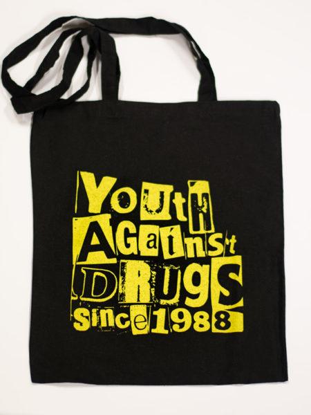 Kuva kangaskassista, jossa Youth Against Drugs Since 1988 -teksti